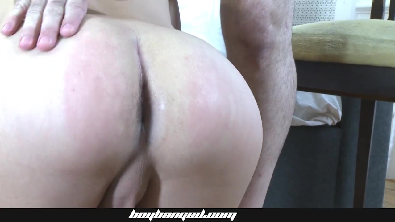 delicious ass to mouth threesome