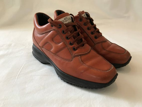 live under femdom high heel sandals